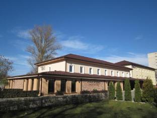 /zh-cn/penzion-berg/hotel/bratislava-sk.html?asq=5VS4rPxIcpCoBEKGzfKvtE3U12NCtIguGg1udxEzJ7nKoSXSzqDre7DZrlmrznfMA1S2ZMphj6F1PaYRbYph8ZwRwxc6mmrXcYNM8lsQlbU%3d