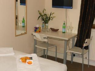 Silk House Hotel London - Family Room with Shared Bathroom