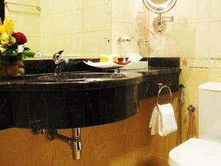 Paragon Hotel Abu Dhabi - Bathroom