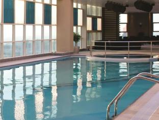 Grand Millennium Al Wahda Abu Dhabi Hotel Abu Dhabi - Rooftop Swimming Pool