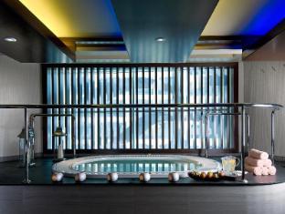 Grand Millennium Al Wahda Abu Dhabi Hotel Abu Dhabi - Jacuzzi