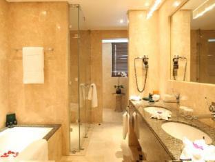 Grand Millennium Al Wahda Abu Dhabi Hotel Abu Dhabi - Bathroom