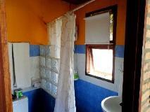 Ban Sabai Bungalow: bathroom