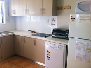 Airlie Apartments Whitsunday Islands - מטבח