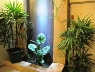 AV Hotel Vientiane - Trädgård