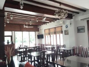 AV Hotel Vientiane - Hotellet från insidan
