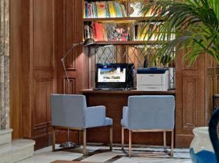 فندق بوتيك إتش10 فيلا دو لارينا مدريد - مركز تجاري