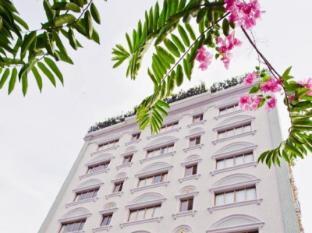 Hotel Luxury World Phnom Penh - Back View