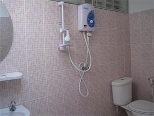 Sparrow' Nest Guest House चियांग माई - बाथरूम