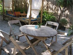 Sparrow' Nest Guest House चियांग माई - होटल बाहरी सज्जा