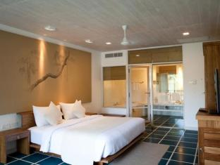 Jetwing Blue Negombo - Deluxe Room