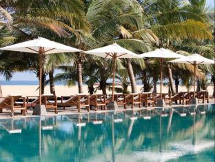 Jetwing Blue Negombo - Swimming Pool Area