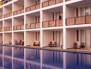 Jetwing Sea Negombo - Swimming Pool with room view