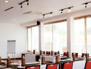 Jetwing Sea Negombo - Meeting Room