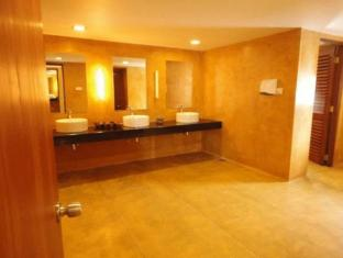 Jetwing Sea Negombo - Bathroom