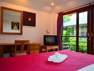 Happy Elephant Resort Phuket - Hotellihuone