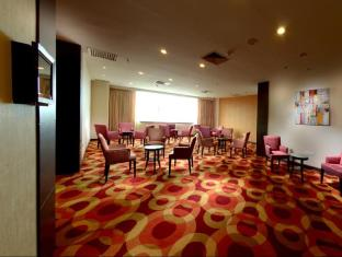 M Hotels - Tower A Kuching - Hotellet indefra