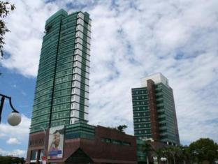 M Hotels - Tower A Kuching - Hotellet udefra