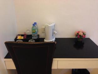 Asoke Suites Hotel Bangkok - Guest Room