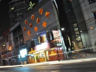 Asoke Suites Hotel