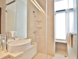The Bauhinia Hotel-TST Hong Kong - Bathroom