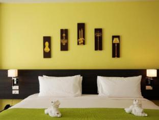 The Lantern Resorts Patong Phuket - View Pent