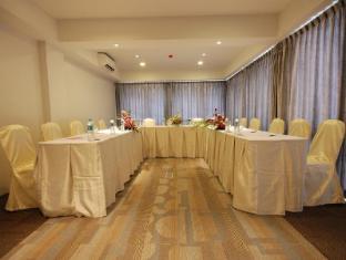 The Lantern Resorts Patong Phuket - Circle at the Lantern