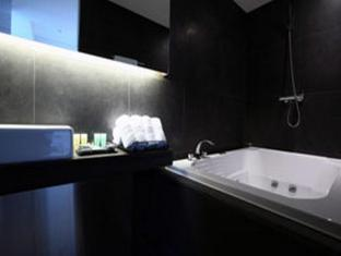 Hotel Irene Seoul - Bathroom
