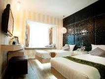 M1 Hotel: guest room
