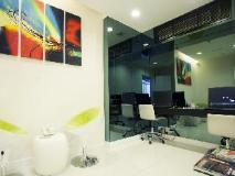 M1 Hotel: business center