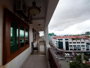 Na Na Hotel & Café Restaurant Phnom Penh - View