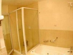 One Hotel Santubong Kuching - Bathroom