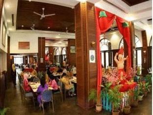 One Hotel Santubong Kuching - Restaurant