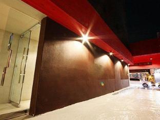 Hotel Yaja Suyu Seoul - Entrance