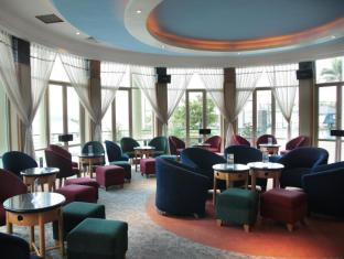 The Hanoi Club Hotel & Lake Palais Residences Hanoi - Arena Lounge