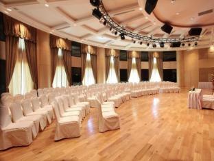 The Hanoi Club Hotel & Lake Palais Residences Hanoi - Lotus
