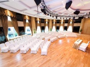 The Hanoi Club Hotel & Lake Palais Residences Hanoi - Lotus room