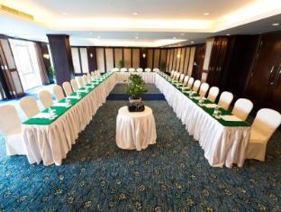 The Hanoi Club Hotel & Lake Palais Residences Hanoi - Jasmine room