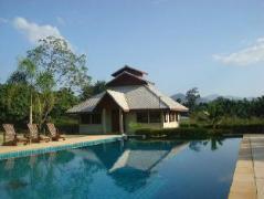 The Quinlins Hotel Pai | Thailand Cheap Hotels