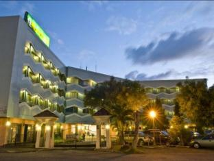 /goldenfield-kundutel/hotel/bacolod-negros-occidental-ph.html?asq=jGXBHFvRg5Z51Emf%2fbXG4w%3d%3d