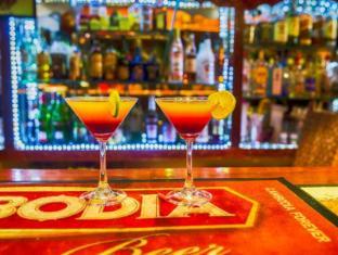 Divers Hotel Sihanoukville - Pub/Lounge