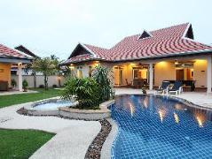 The Chase & Foxlea Executive Pool Villas Thailand