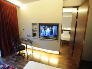 Galleria 10 Sukhumvit by Compass Hospitality Bangkok - Guest Room