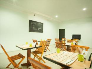 The Studio Inn Nusa Dua Bali - Restaurante