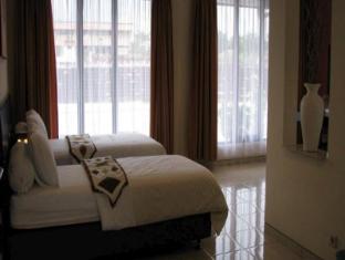 Puri Chorus Hotel Yogyakarta - Guest Room