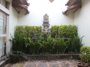 Villa Kresna Boutique Villa Bali - Kert