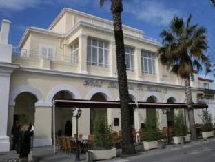 /ca-es/le-marina-b/hotel/la-ciotat-fr.html?asq=jGXBHFvRg5Z51Emf%2fbXG4w%3d%3d