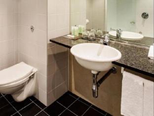 Skycity Hotel Auckland - Bathroom