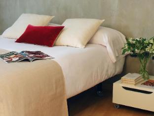 AinB Born - Tiradors Apartments