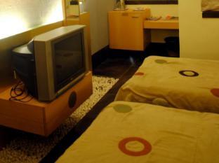 Hotel Golden Swan Mumbai - First Floor